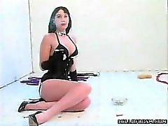 Femme de ménage SM la torture