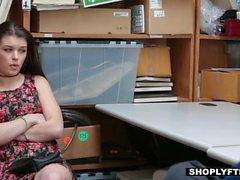 Shoplyfter - Горячие подросток получает наказывают за Ворованные
