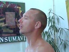Amateur - Mature Bisex MMF - Deep Dildo Inserção