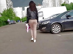 Doce menina com bela bunda