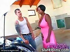 Ebony Kinky Muff Squeezed En Verleid