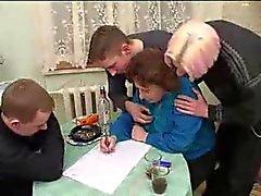Venäjän Granny With 3 Boys 206