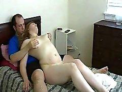 L'étudiante brune amateur de devient cul fessée