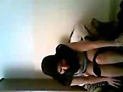 A esposa Egipto Arábica Em de Hijab sendo fodida Áspero em Câmara web