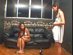 Pedicure del un'umiliazione ( Lezdom brasiliana )