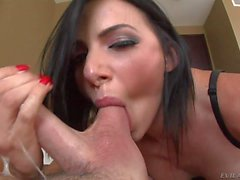 Juelz Ventura sucking balls like a pro
