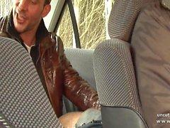 Knubbigt Storväxt fransk slampa sodomiserade in 3way med Oldman i utomhus