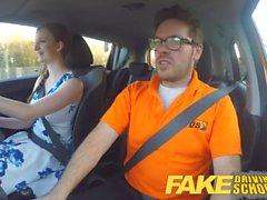 Fake Driving School Posh freaky rödhårig med stora bröst och ginger bush fucks