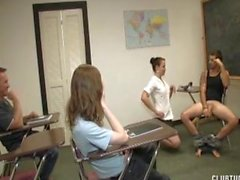 Punishment Handarbeit im Klassenzimmer