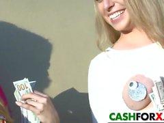 Горячие девушки мокнут на баксы