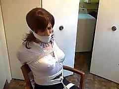 Sandra, mujer de bienes raíces atado
