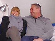 Sextape Allemagne - femme au foyer blond allemand est baisée dur dans une bande de sexe chaud