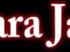 Sara Jay saugt großen schwarzen Schwanz POV!