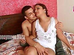 Garam Bhabhi en romans med pizza leverans för pojke