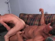 Sexo oral gay homosexual con corrida