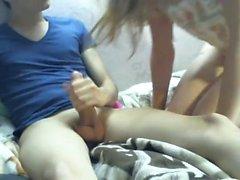 Kleine Titted russischen Teenager von hinten gefickt