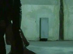 gigantisk spänd Bitume dominerad och körd