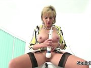 Cheating english mature lady sonia pops out her heavy knocke