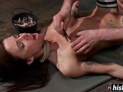 Gia genießt etwas Hardcore BDSM Action