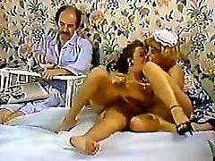 Karen été , de Nina de Hartley dans de clip classiques porno avec une