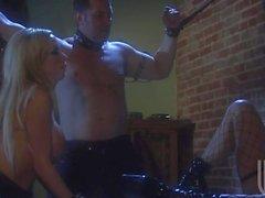 Del sexo Kinky junto a Jessica Drake y Nikki del Benz