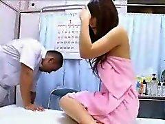 Asiatico teenager di massaggio Fuck con di fica Sborrata