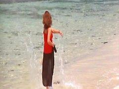 Sophie Marceau nua em poucas cenas de hot mostrando seus seios