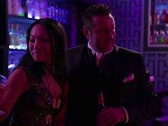 Asá Akira y Kaylani los leus llegar orgía iniciaron en el bar del