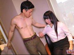 Japan Shemale Hardcore und Cumshot