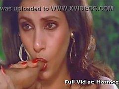 Seksi Hintli Kadın Oyuncu Dimple Kapadia Sucking Thumb lustfully Cock gibi