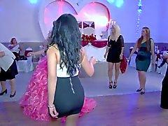 Ass Невест сестры