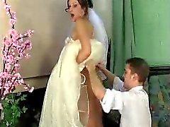Jaclyn - Mike Braut unter Kleid