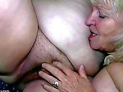 Grosse femme se masturbe et le léchage mémé