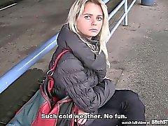 PARAR cadela de - Blonde Tcheca maduras captado na estação de autocarros