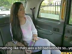 Naughty lapsi pounded väärennetty taksinkuljettaja