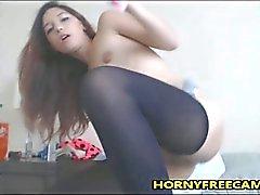 Tiny 18yo Multi Squirter masturbiert