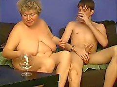 Spiele ich mit der Großmutter nach Molliges TROC