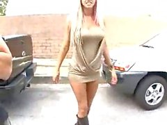 Feticcio piede hardcore con grossi seni bionda