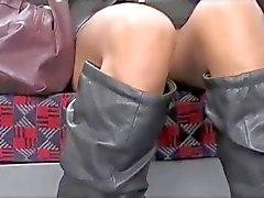 Upskirt Aziatische kutje op London Underground