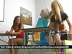 Calda studentessa bionda scuola
