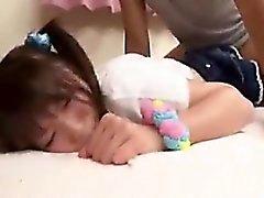 colegiala japonesa linda se pinchada y cortada y luego dr
