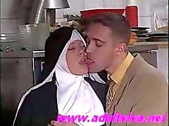 sœur european shy se fait baiser ( par adultviva )