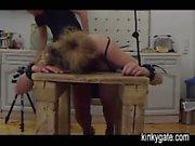 Formazione la mia schiava collegato di Lidia in cucina