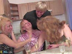 Drei reift eine Orgie mit