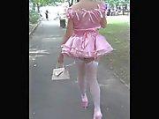 Donnan Sissy Slut Public kävelymatkan