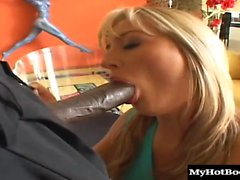 Avy Scott is one gal who knows her way around a big cock