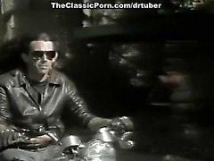 Кимберли Carson , Блэр Харрис выполнен в классическом порно звезда показывает с