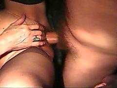 Vrouw met haar Boy Toy