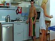 Biondi Milf Gets inchiodato nella cucina che