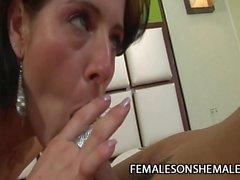 Michelle Gomes - Große Brüste Transe Ficken A Kleine Titten Schlampe